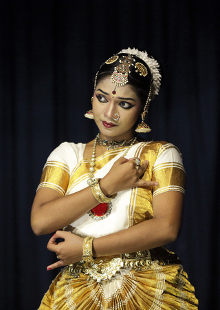 Mohiniyattam classical dancer, Kerala, India